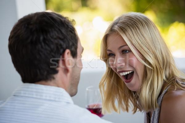 驚いた 若い女性 見える 男 レストラン 女性 ストックフォト © wavebreak_media