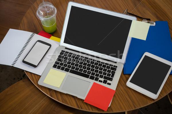 Vista portátil digital tableta mesa Foto stock © wavebreak_media