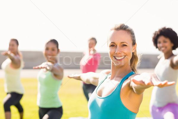 笑みを浮かべて スポーティー ブロンド ヨガ クラス 肖像 ストックフォト © wavebreak_media