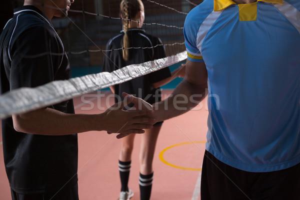 Masculina voleibol jugadores apretón de manos neto tribunal Foto stock © wavebreak_media