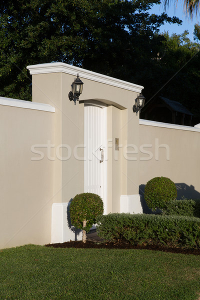 Muur moderne entree poort boom Stockfoto © wavebreak_media
