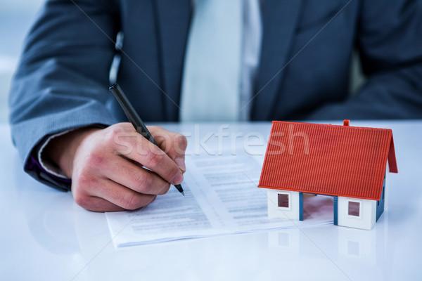 ビジネスマン 署名 契約 オフィス 赤ちゃん ストックフォト © wavebreak_media