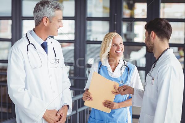 мужской доктор документа коллега больницу человека медицинской Сток-фото © wavebreak_media