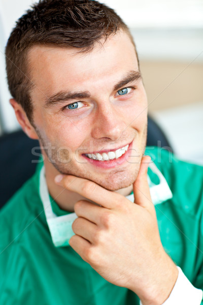 Sorridente cirurgião olhando câmera Foto stock © wavebreak_media