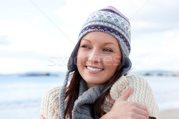 Congelada mulher cachecol colorido seis em pé Foto stock © wavebreak_media