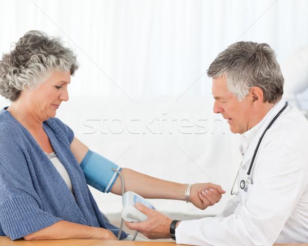 Supérieurs médecin patient bureau Photo stock © wavebreak_media