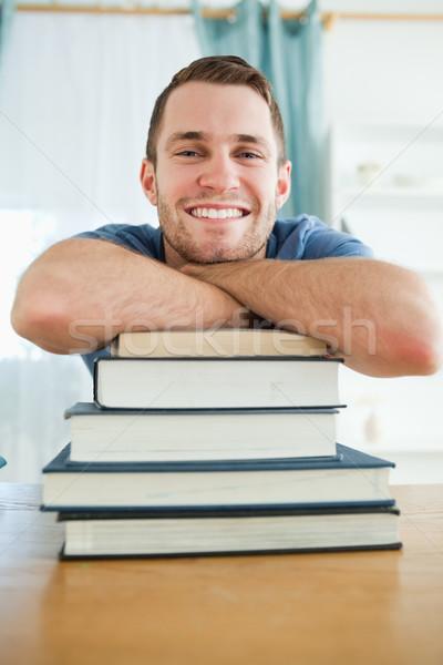 счастливым мужчины студент книгах улыбка лице Сток-фото © wavebreak_media