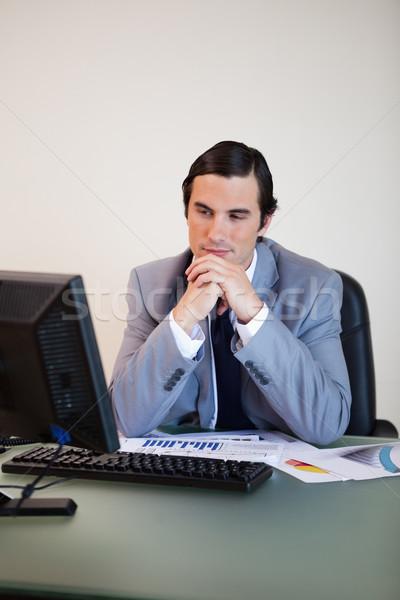 Empresário espera pc bota para cima negócio Foto stock © wavebreak_media