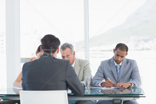 Stockfoto: Kandidaat · sollicitatiegesprek · kantoor · vergadering · pen · zakenman