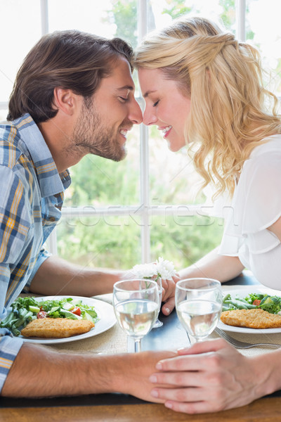 Cute affettuoso Coppia pasto insieme home Foto d'archivio © wavebreak_media