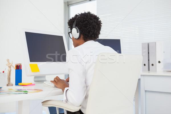 Hipszter designer dolgozik asztal iroda számítógép Stock fotó © wavebreak_media