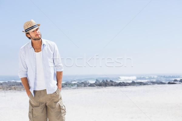 Knappe man genieten zonneschijn gelukkig zee Stockfoto © wavebreak_media