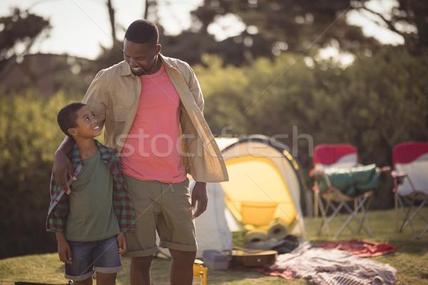 Apa fia áll kar körül park mosolyog Stock fotó © wavebreak_media