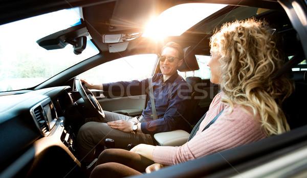 çift konuşma oturma araba test sürmek Stok fotoğraf © wavebreak_media