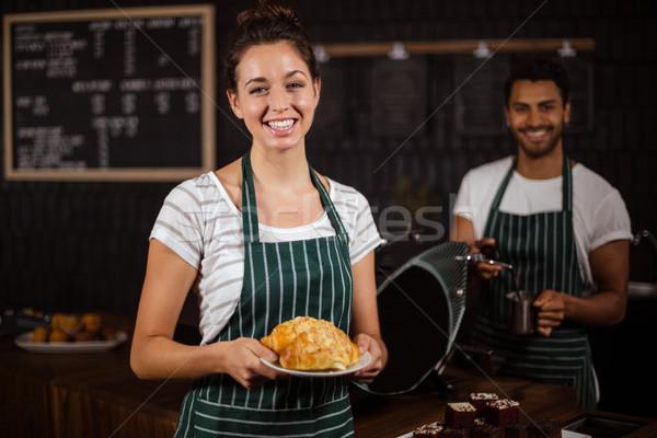 Glimlachend barista croissants bar vrouw Stockfoto © wavebreak_media