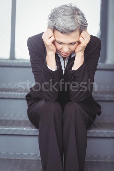 Stockfoto: Depressief · zakenvrouw · vergadering · stappen · kantoor · business