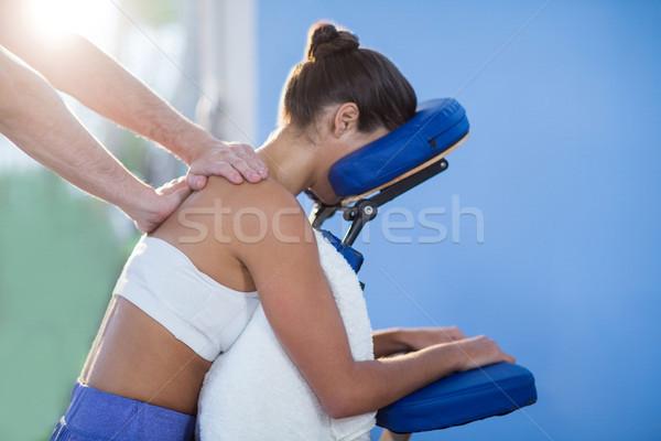 Spalla massaggio femminile paziente clinica donna Foto d'archivio © wavebreak_media
