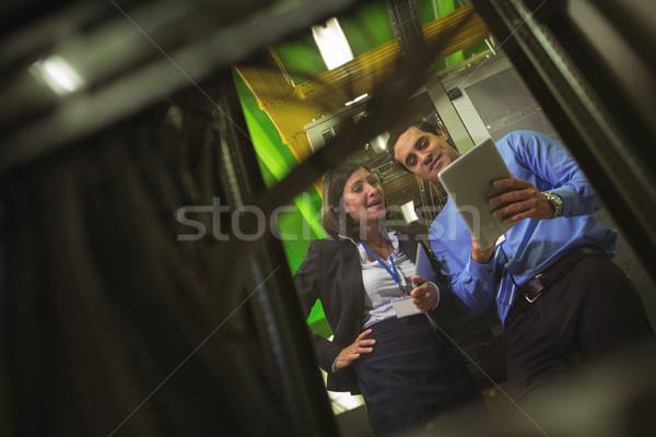 Digitale tablet server kamer vrouw liefde Stockfoto © wavebreak_media