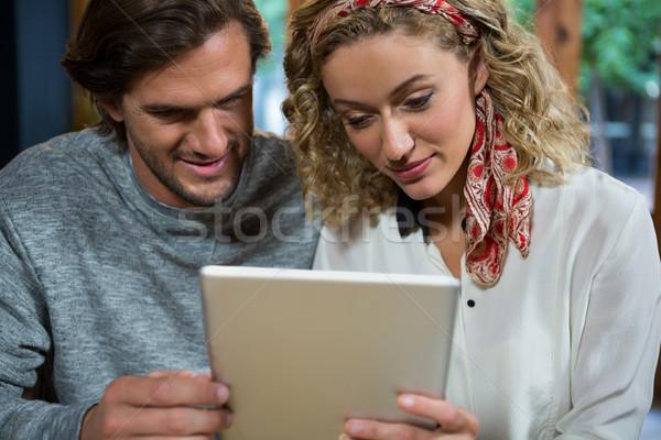 Pareja digital tableta Cafetería hombre moda Foto stock © wavebreak_media