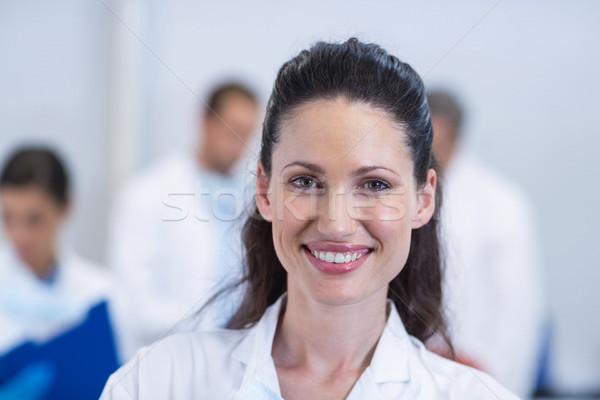 Sorridere dentista piedi dental clinica uomo Foto d'archivio © wavebreak_media