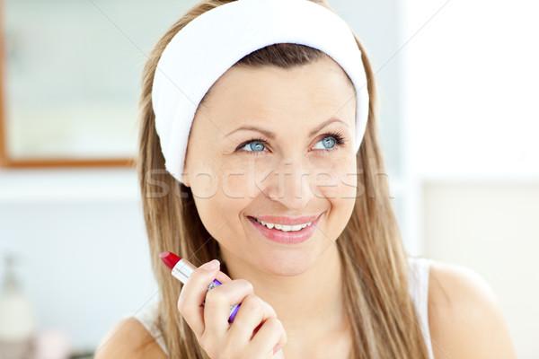 Heldere jonge vrouw badkamer home vrouw Stockfoto © wavebreak_media