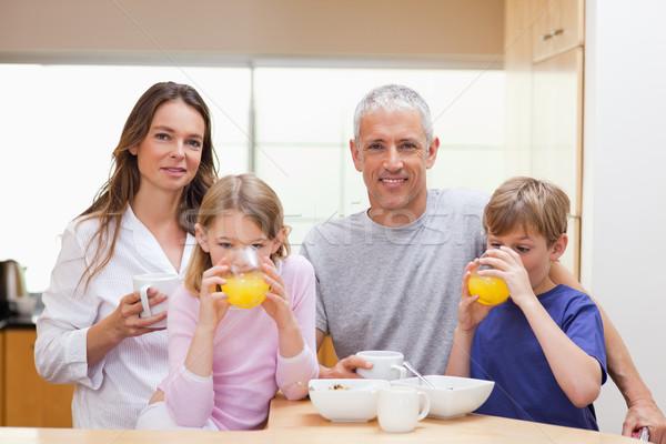 улыбаясь семьи завтрак кухне дома любви Сток-фото © wavebreak_media