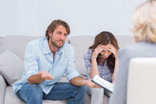 Pareja llorando sofá terapia triste Foto stock © wavebreak_media
