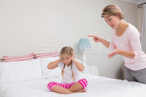 Moeder ondeugend dochter home slaapkamer vrouw Stockfoto © wavebreak_media