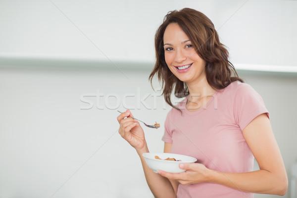 Zdjęcia stock: Portret · uśmiechnięta · kobieta · puchar · zboża · domu · uśmiechnięty