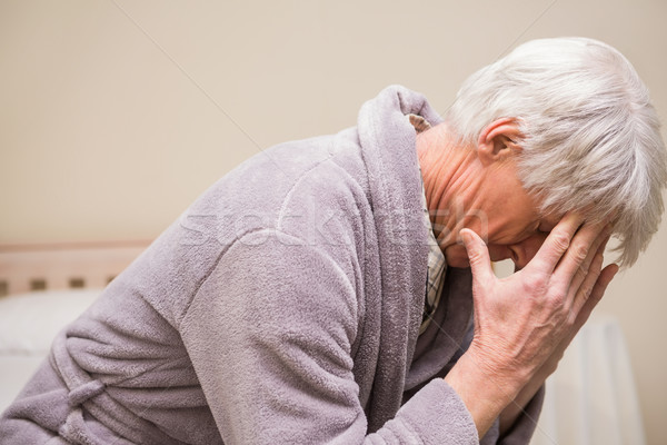 Senior homem dor de cabeça casa quarto saúde Foto stock © wavebreak_media