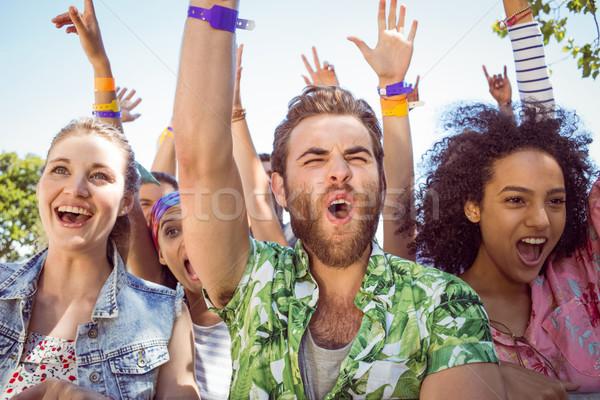 Podniecony młodych ludzi śpiewu festiwal muzyczny muzyki strony Zdjęcia stock © wavebreak_media