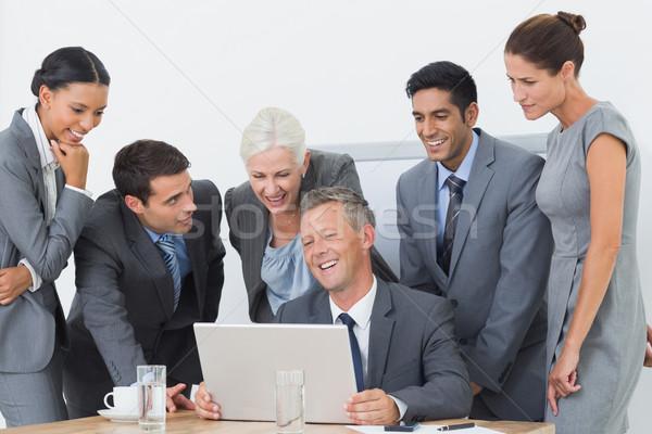 деловые люди используя ноутбук служба бизнеса компьютер женщину Сток-фото © wavebreak_media