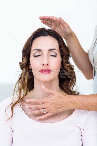 Vrouw reiki behandeling witte huid Stockfoto © wavebreak_media