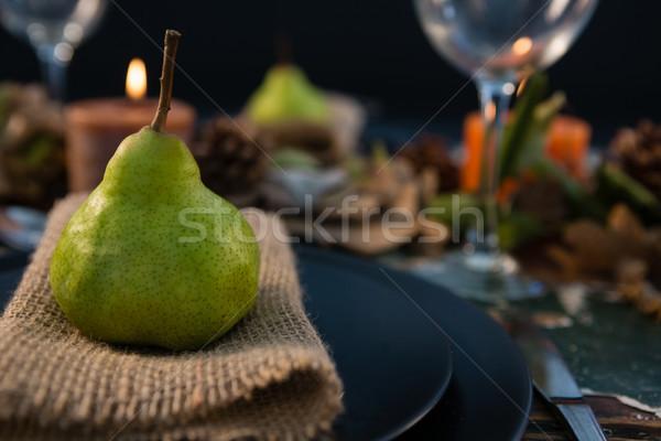 Pera servido arpillera placa alimentos Foto stock © wavebreak_media