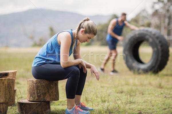 疲れ フィット 座って 木の幹 ツリー 男 ストックフォト © wavebreak_media