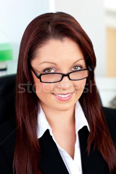 Lumineuses femme d'affaires verres séance Photo stock © wavebreak_media