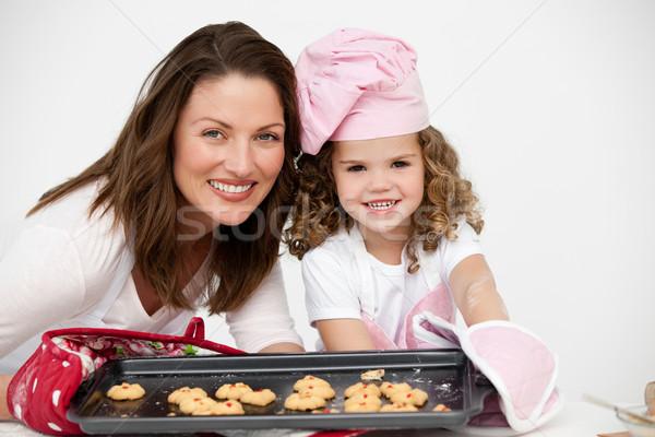 Moeder dochter plaat biscuits keuken Stockfoto © wavebreak_media