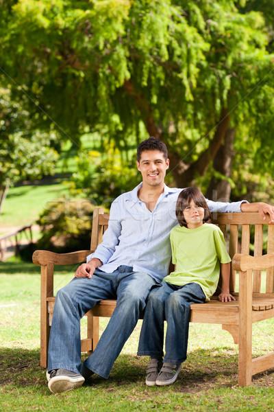 отцом сына скамейке человека лет зеленый мальчика Сток-фото © wavebreak_media