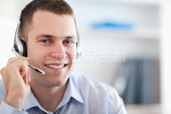 Közelkép mosolyog ügyfélszolgálat hatóanyag segít munka Stock fotó © wavebreak_media