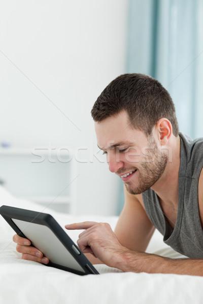 Portre gülen adam göbek yatak odası Stok fotoğraf © wavebreak_media