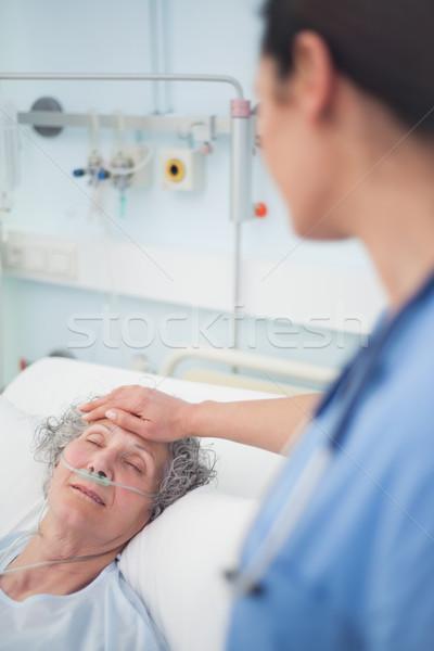 Patiënt bed ogen ziekenhuis kamer geneeskunde Stockfoto © wavebreak_media