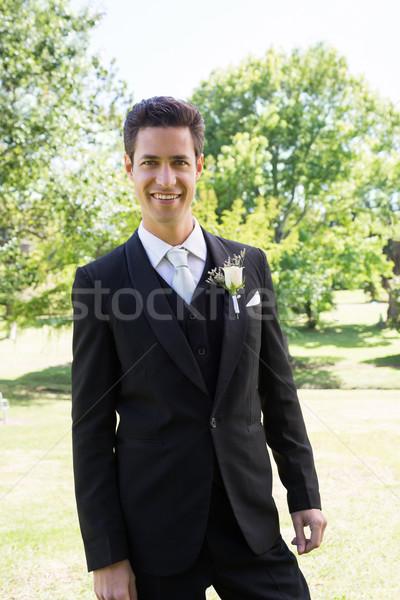Vőlegény csokornyakkendő áll kert portré mosolyog Stock fotó © wavebreak_media