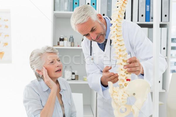 Erkek doktor omurga kıdemli hasta tıbbi Stok fotoğraf © wavebreak_media