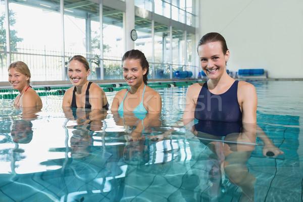 Női fitnessz osztály víz aerobik úszómedence Stock fotó © wavebreak_media
