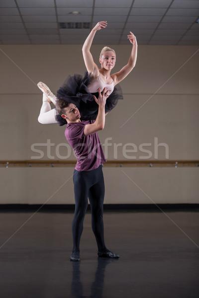 Bale ortaklar dans birlikte stüdyo takım Stok fotoğraf © wavebreak_media