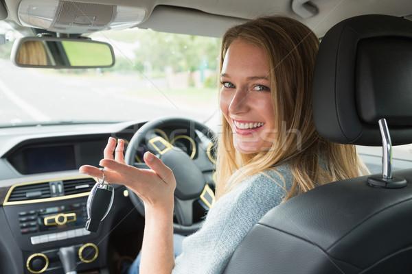 Genç kadın gülen kamera araba kadın mutlu Stok fotoğraf © wavebreak_media