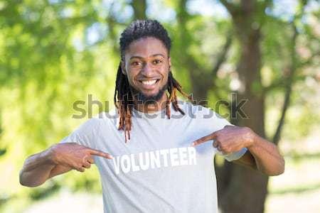 Sangue doador sorridente câmera mãos Foto stock © wavebreak_media