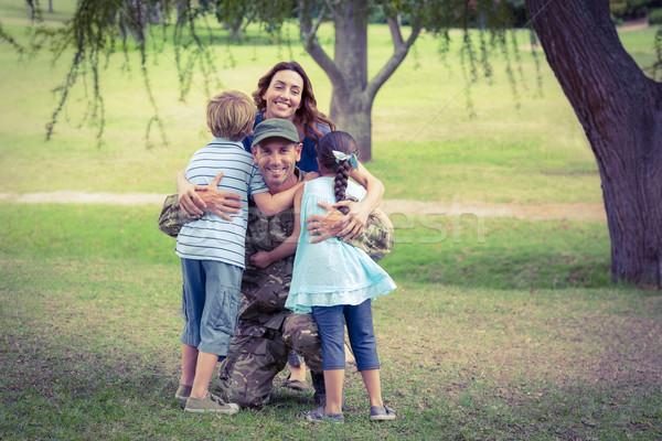 Guapo soldado familia mujer nina Foto stock © wavebreak_media