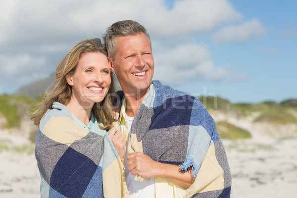 Feliz Pareja hasta manta playa libertad Foto stock © wavebreak_media