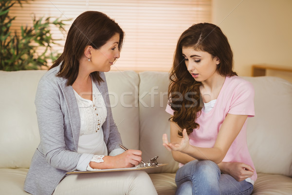 терапевт прослушивании расстраивать пациент женщину Дать Сток-фото © wavebreak_media